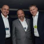 John Rodgerson, da Azul, com Claudio Borges e Alberto Fajerman, da Gol