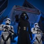 Kylo Ren usa a força para tentar arrancar informações dos rebeldes