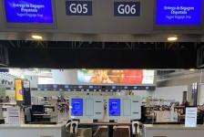 Latam implementa autoatendimento para despacho de bagagens no Galeão