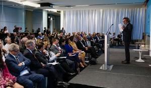 Accor assina acordo para contratar refugiados venezuelanos