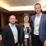 Mauricio Sana, diretor Comercial da Flybondi, Ana Costa e Bruno Reis