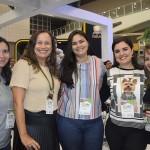Polly Ramos e Ana Paula Luz, da Impulso Eventos; Mayra e Samanta, visitantes; e Elaine Negreiros, também da Impulso Eventos
