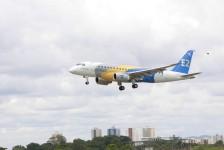 Primeiro jato E175-E2 completa voo inaugural