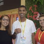 Rafaela Conde, Edmilton de Jesus e Alba Costa, visitantes e colaboradores da feira