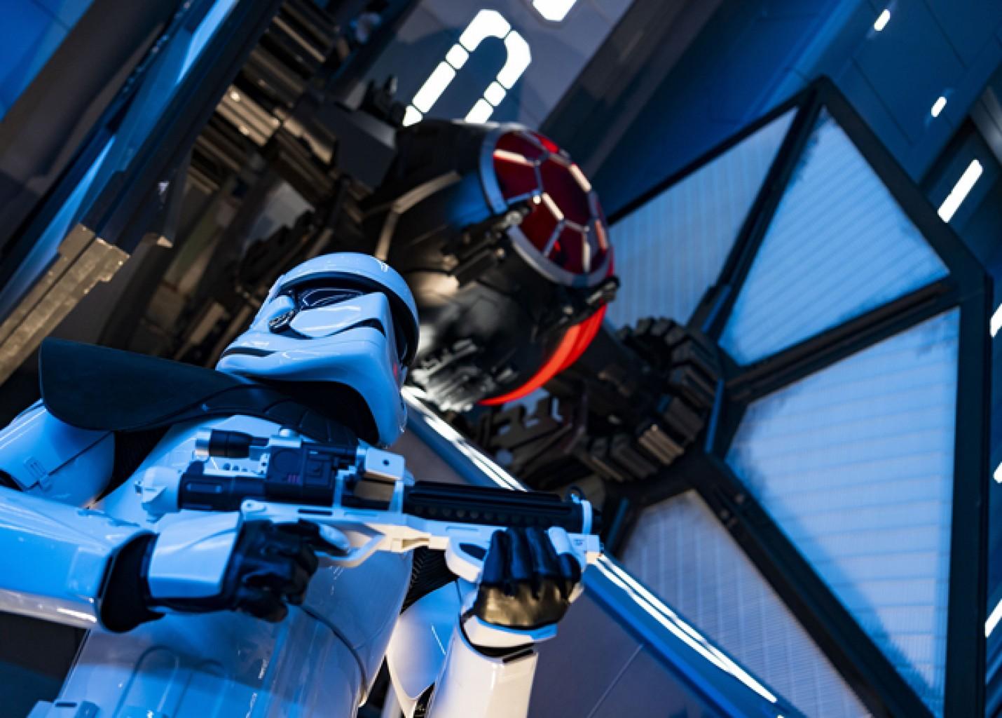 Disney reduzirá capacidade e horários de fila virtual da atração de Star Wars