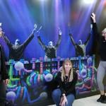 Tony Aguirre, Brittany Egersett e  Ola Wawryn, equipe do Blue Man Group
