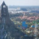 Vista do Bistro 17, do Aventura Hotel, impressiona, incluindo o Volcano Bay