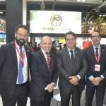 Daniel Nepomuceno e Higino Vieira, do MTur, com o embaixador do Brasil na Espanha, Pompeu Andreucci, e o secretário de Turismo de São Paulo, Vinicius Lummertz