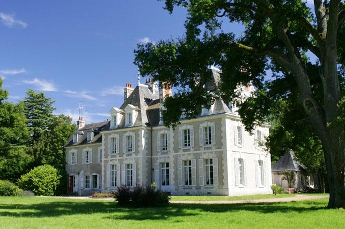 Fachada do Château du Breuil, o prédio principal do Les Sources de Cheverny (Foto: Divulgação)