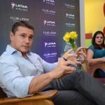 Igor Miranda e Gabriela Mundim, da Latam durante coletiva de imprensa