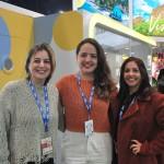 Milu Megale e Isabela Guerra, da Empetur, com Brenda Silveira, do Porto de Galinhas CVB