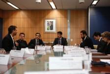 Bolsonaro recebe comitiva que planeja investir em turismo sustentável no Brasil