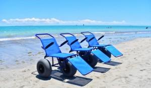 Maceió investe em turismo inclusivo com cadeiras anfíbias