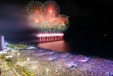 Réveillon reúne 650 mil turistas e movimenta R$ 1,8 bilhão em Fortaleza
