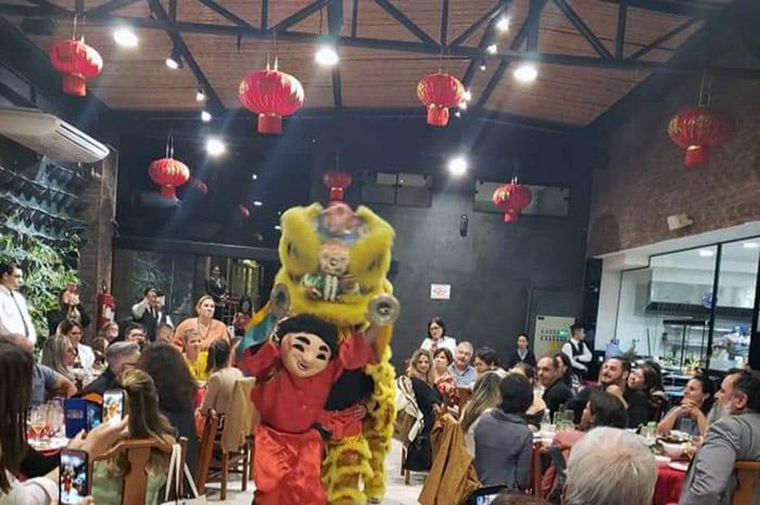 Operadora reuniu dezenas de agentes de viagem na Capital paulista para celebrar a data e atualiza-los sobre a política da empresa em face das restrições de viagens à China