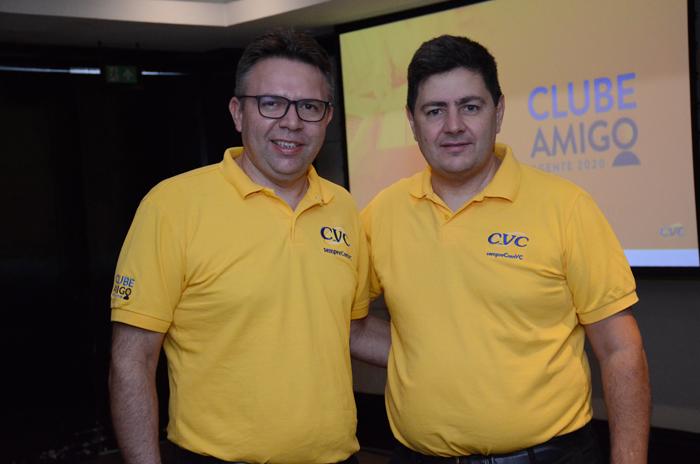 Douglas Silva e Roberto Vertemati, gerente de operações e diretor do Canal Multimarcas da CVC, respectivamente.