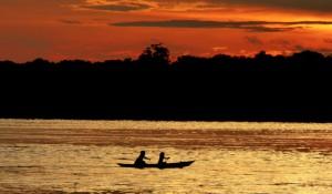 Katerre promove expedição imersiva de barco pelo Rio Negro na Amazônia