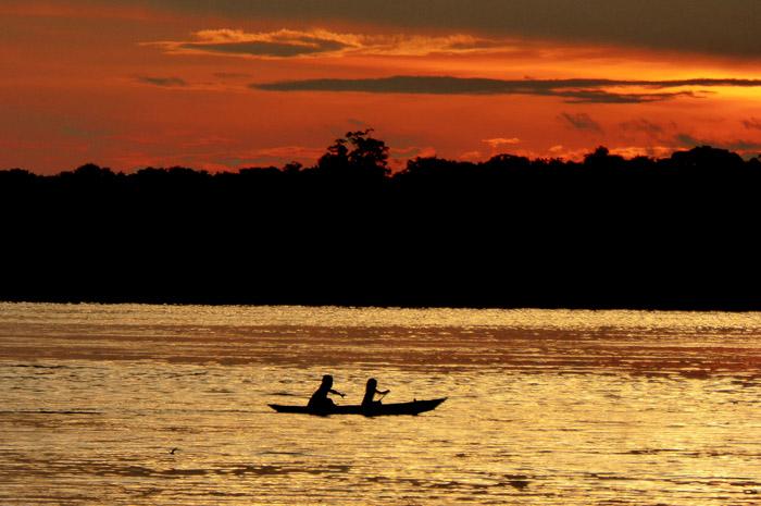 Expedição exclusiva visita terras indígenas durante nove dias em navegação pela Amazônia