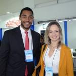 Juliano Braga, do M&E, com Gabrielle Rodrigues, da Giordani Turismo