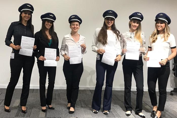 Movimento visa estimular a contratação de mulheres para cargos de destaque na aviação