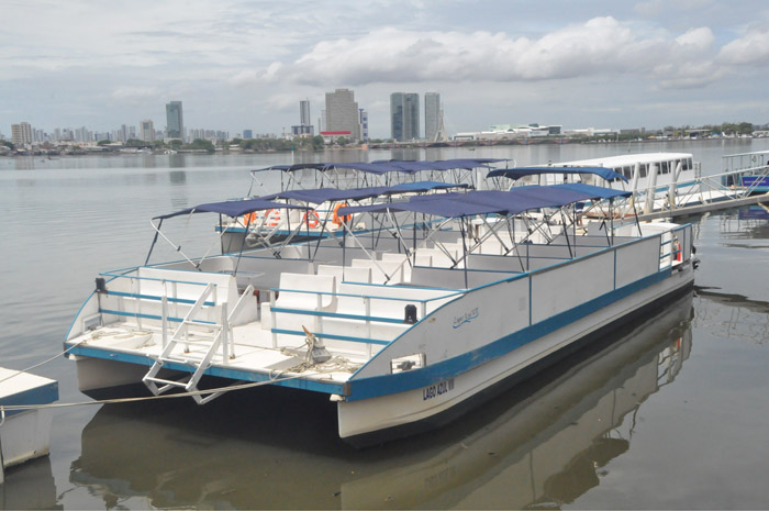 O passeio de Catamaran é uma das atrações de Recife