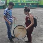 Participantes aprenderam a tocar alguns instrumentos na quadra das agremiações