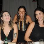 Rachel Navas, da Walpax, entre Caroline Artilheiro e Mari Wolviesse, da Journeys