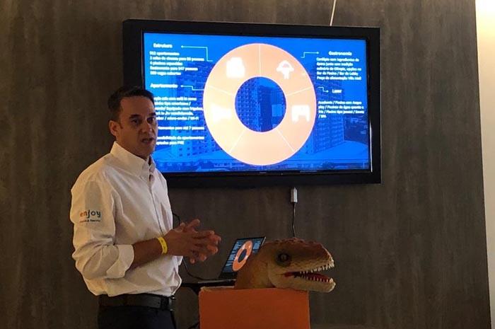 Ricardo Moretto de Oliveira em apresentação aos operadores