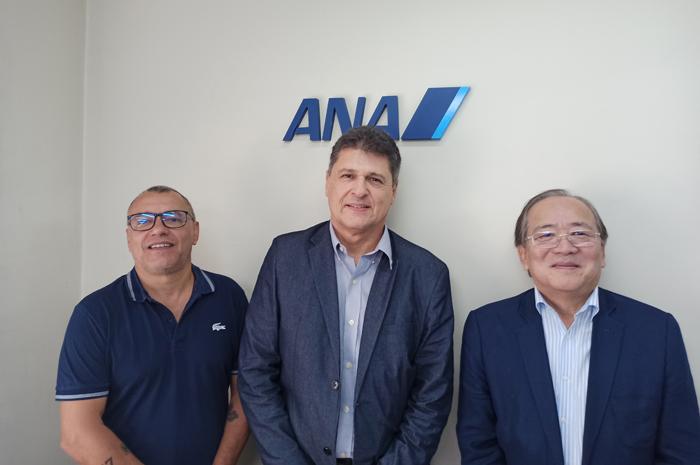 Valci Souza, ao centro, com Benedito Almeida Filho, Diretor Financeiro ANA, e Eduardo Sakamoto, Diretor ANA Brasil