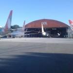Aeronaves no hangar da Gol