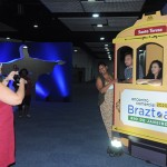 Agentes de viagens aproveitam a decoração instagramável do Encontro Braztoa