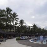 Canto esquerdo da piscina principal do Iberostar Bahia
