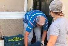 Com operações suspensas, resorts do Complexo Hot Beach doam alimentos a abrigo
