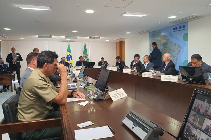 Reunião com governadores aconteceu nesta segunda-feira (23)