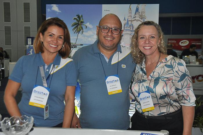 Tatiana Menezes, William Silva e Monica Afonso, da CVC Operadora