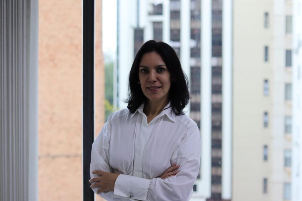 Denise Meyer, diretora da Rouge Comunicação