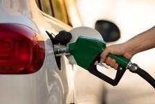 Coronavírus: tráfego de veículos recua 58% e preço da gasolina cai 1,81% em março