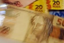 Previsão de queda do PIB em 2020 se aproxima de 6%, diz BC