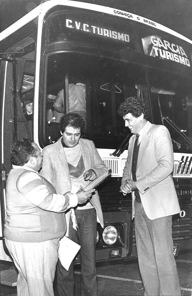 Década de 70: A CVC nasceu em Santo André (SP) em 1972, organizando viagens aos finais de semana para trabalhadores das montadoras de automóveis baseadas no polo do Grande ABC, região metropolitana de São Paulo. As viagens já eram vistas naquela época como oportunidade única de aproveitar a vida!