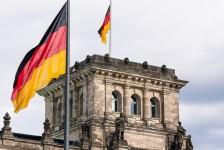 Novo recorde de casos de Covid-19 deve endurecer restrições na Alemanha