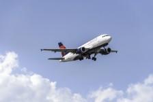 Delta prolonga isenção de diferença tarifária para viagens internacionais