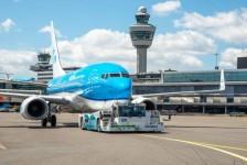 KLM testa maneiras sustentáveis de taxiar aeronaves em Amsterdã