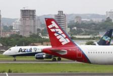 Azul e Latam iniciam codeshare envolvendo 64 rotas domésticas no Brasil