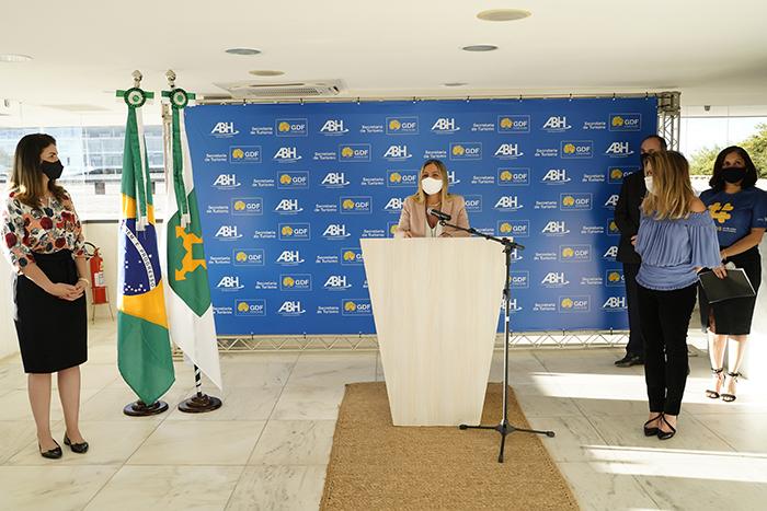Brasília, 25.06.2020// Cerimônia de lançamento do protocolo de segurança para a rede hoteleira no CAT (Centro de Atendimento ao Turista) Casa de Chá, na Praça dos Três Poderes. Na imagem Vanessa Mendonça (Secretária de Estado de Turismo do DF). Foto Claudio Gerber/Setur-DF