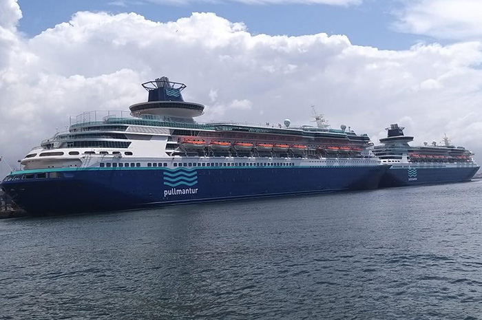 Monarch e Soberano no porto de Nápolis