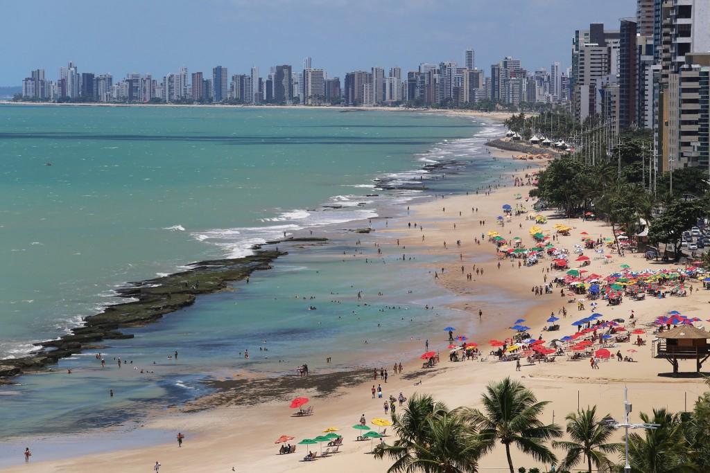 Praia de Boa Viagem, uma das principais de Recife