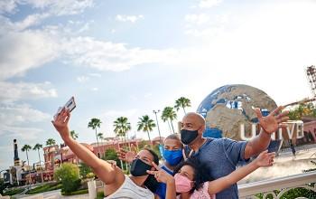 Universal Orlando Resort reabre parques temáticos; veja fotos