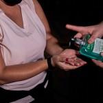 Utilização de álcool e/ou produtos de higiene na entrada de cada atração
