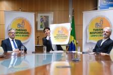 Ministério do Turismo lança selo 'Turismo Responsável' para 15 atividades