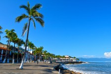 Puerto Vallarta reabre hotéis, praias e restaurantes para turistas
